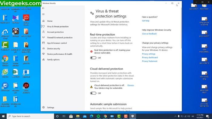 """Chuyển """"Virus & Threat protection settings"""" về chế độ Off"""